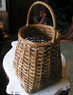 Vtg LARGE Hand Woven Wicker Basket