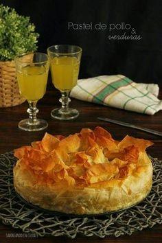 No te pierdas la receta de este pastel de pollo y verduras hecho con masa filo