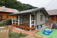 แบบบ้านพอเพียง หลังนี้น่าสนใจมากๆ และน่าอยู่มากๆ เป็นบ้านแนวญี่ปุ่นที่ดูจะเข้ากับบ้านเราได้เป็นอย่างดี เหมาะกับชนบทในบ้านเรา หรือจะปรับเป็นแบบบ้าน