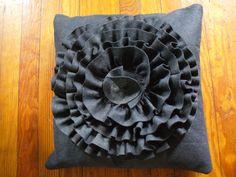 Ruffle Flower Pillow DIY - #diy
