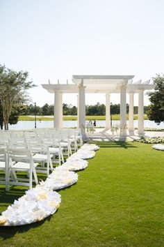 Outdoor Wedding Ceremony Gazebo An outdoor gazebo can be a beautiful complement to an outdoor wedding. A gazebo can quickly transform any setting into a more elegant setting fit for a wedding. Outdoor Wedding Gazebo, Diy Gazebo, Outdoor Gazebos, Garden Gazebo, Wedding Props, Wedding Ceremony, Wedding Decorations, Grill Gazebo, Wedding Design Inspiration