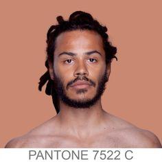 Humanae PANTONE 7522 C