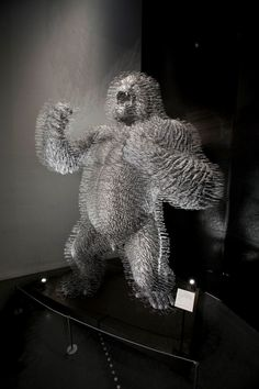King Silver by David Mach made from coat hangers. Each element resembles an everyday hanger but put together they accumulate into an image of dramatic power. V & A Museum, Coat Hanger, New Crafts, Victoria And Albert Museum, Weird And Wonderful, Primates, Hangers, Cool Art, Lion Sculpture