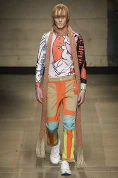 See all the Collection photos from Topman Design Autumn/Winter 2017 Menswear now on British Vogue Catwalk Fashion, Fashion 2017, High Fashion, Fashion Show, Mens Fashion, Fashion Design, Fashion Styles, Fashion Trends, Vogue Paris