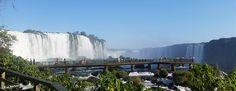 As Cataratas do Iguaçu ficam na fronteira do Brasil com a Argentina. E no lado brasileiro este Patrimônio da Humanidade é protegido pelo Parque Nacional do Iguaçu.