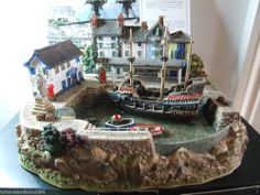 LILLIPUT LANE GOLDEN HIND BOXED & DEEDS another above my price but would love