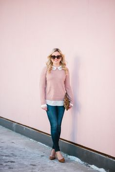Outfit Inspiration: 10 Ways to Wear Pink — bows & sequins Bows & Sequins styling a blush pink sweater with Rag & Bone skinny jeans, Ivanka Trump suede pumps, and a Clare V leopard clutch. Pink Top Outfit, Blush Pink Outfit, Pink Sweater Outfit, Blush Pink Top, Pullover Outfit, Pink Outfits, Pink Jumper, Ivanka Trump, Sweaters And Jeans