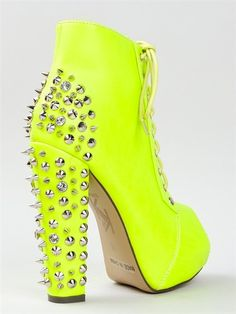 Spikes really are a girls best friend(: