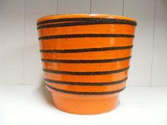 Bekijk dit items in mijn Etsy shop https://www.etsy.com/listing/233722944/orange-es-keramik-fat-lava-planter