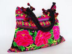 Grand sac, Sac à bandoulière, brodé un style ethno de Siamrose Art & Decor sur DaWanda.com