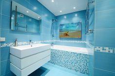 Потрясающая ванная в синих тонах.