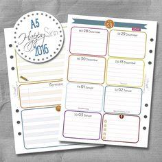 Wochenkalender, Kalendereinlagen von SinnWunder für Organizer von Filofax, Succes, elfenklang & Co.im Design HappySinn. Filofaxing Fans werden sich über die tolle Papierqualität von 100g/m² freuen. Monats- und Jahresübersichten sind auch mit dabei.Der Kalender 2016 enthält die Feiertage für Deutschland, Österreich und die Schweiz.  So macht Planung richtig Spaß!  Auf www.sinnwunder.de gibt es noch viele Zusatzeinlagen, um das Kalender Set-up zu vervollständigen.  ;)