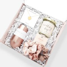 Bridal Boxes, Wedding Gift Boxes, Gifts For Wedding Party, Our Wedding, Decor Wedding, Bridesmaid Gift Boxes, Bridesmaid Proposal Box, Bridal Gifts, Bridal Shower Gifts