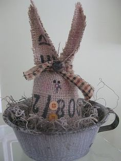the little green bean: Burlap Bunnies & 2 WINNERS!
