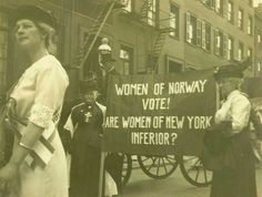The picture is from Norsk forlkemuseum's collection and is published with a Creative Commons BY-NC-ND licence. Photographer: Arthur Gran. It depicts Norwegian women in New York in 1913, demonstrating for American women's right to vote. Originally published online at http://www.digitaltmuseum.no/things/demonstrasjonstog-new-york-1913-norske/NF/NF.26939-002/gallery?query=stemmerett+kvinner=1_context=1=21=4