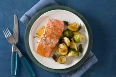Salmon with Honey-Citrus Sauce