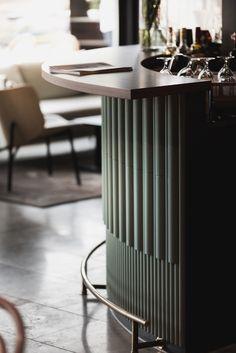 Brasserie Rivoli on BehanceYou can find Restaurant bar and more on our website.Brasserie Rivoli on Behance Design Room, Café Design, Lounge Design, Bar Lounge, Architecture Restaurant, Interior Architecture, Commercial Design, Commercial Interiors, Studio House