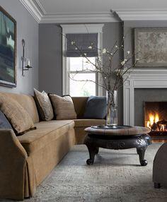 Over the past decade, interior designer Michael Del Piero has created a distinctive aesthetic My Living Room, Living Spaces, Hall Design, Design Design, Design Ideas, Illinois, Elle Decor, Stores, Apartment Living