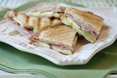 Ham Apple and Brie Panini - a lovely summer panini sandwich with good deli ham, crispy tart apple, creamy brie and the beautiful tang of Dijon mustard. Panini Sandwiches, Wrap Sandwiches, Panini Recipes, Thyme Recipes, Deli Ham, Tailgate Food, Unique Recipes, Brie, So Little Time