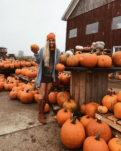 Autumn and Halloween Aesthetic Active All Year Long Halloween Pin Up, Casa Halloween, Autumn Cozy, Fall Winter, Autumn Feeling, Fall Inspiration, Mode Hippie, Autumn Aesthetic, Cozy Aesthetic