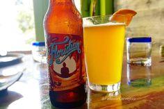 Funky Buddha - Floridian  A Floridian é uma tipica hefeweizen com seu sabor frutado e um toque citrico da Funky Buddah.  Falando em Flórida: além de paraíso de compras (cervejas inclusas) muitas microcervejarias de alto nível se instalaram na região a @funkybuddhabrew é uma de minhas favoritas! Se for a Flórida aproveita e visita o tap room proximo de miami e Fort Lauderdale.  #PadawanCervejeiro #funkybuddhabrew #funkybuddah #floridian #hefeweizen #florida #craftbeer #beer #bier #beernerd…