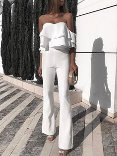 Solid Ruffled Design Off Shoulder Jumpsuit - Mode Tutorial and Ideas Prom Jumpsuit, Ruffle Jumpsuit, Jumpsuit With Sleeves, Strapless Jumpsuit, White Jumpsuit, Elegant Jumpsuit, Jumpsuit Outfit, Short Jumpsuit, Casual Jumpsuit