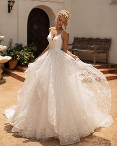 10 Gorgeous Ball Gown Wedding Dresses You'll Love - Bridal Musings - Source b. - 10 Gorgeous Ball Gown Wedding Dresses You'll Love – Bridal Musings – Source by chayapapaja – Wedding Dress Trends, Princess Wedding Dresses, Best Wedding Dresses, Bridal Dresses, Wedding Outfits, Reception Dresses, Sparkle Wedding Dresses, Sleeveless Wedding Dresses, Corset Wedding Dresses