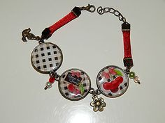 Bracelet cabochons **Le temps des cerises** cordon rouge perles breloques €9.02