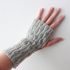 Lutter Idyll: Crochet wrist warmer ... Or!? Use an old thrift store sweater and make them with a little sewing!