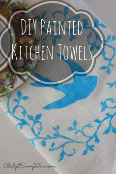 Perfect for Christmas!!! Super simple to make DIY Painted Kitchen Towels #DIY #crafts #towel