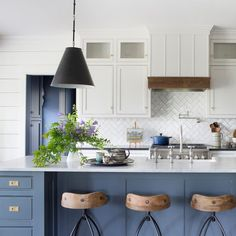 Blue Gray Kitchen Cabinets, Blue Kitchen Island, Kitchen Cabinet Colors, Painting Kitchen Cabinets, Dark Cabinets, Two Tone Cabinets, Different Color Kitchen Cabinets, Kitchen Colors, Kitchen With Blue Cabinets