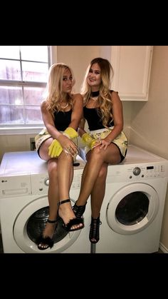 Real housewives costume for Halloween Real housewives costume for Halloween Real housewives costume Hot Halloween Costumes, Halloween Inspo, Halloween Party Themes, Halloween Outfits, Halloween 2017, Halloween Customs, Halloween Stuff, Happy Halloween, Farmer Girl Costume