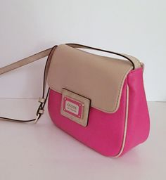 GUESS LOS ANGELES Pink/Tan Front Flap Crossbody Handbag Purse #GUESS #MessengerCrossBody