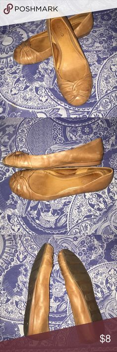 Aldo flats size 40 Good used condition. They feel leather but I can't find a material label so I'm not sure. Size 40. Aldo Shoes Flats & Loafers