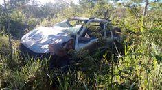 Criminosos morrem após capotar carro roubado na BR-365