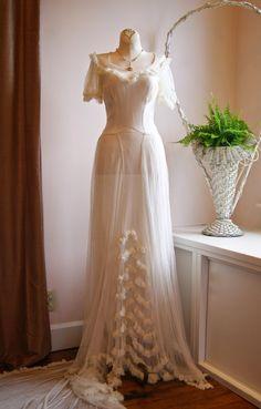 #vintageweddingdress Xtabay Vintage Clothing Boutique - Portland, Oregon