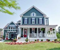 New farmhouse plans with wrap around porch exterior colors ideas Farmhouse Plans, Farmhouse Style, Modern Farmhouse, Farmhouse Design, Modern Craftsman, Craftsman Style, Farmhouse Door, American Farmhouse, Craftsman Homes