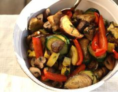 Looking for a dinner recipe that is delicious AND requires little work? So do we! That's why we came up with this tasty recipe for summer grilled veggies. For a light meal the whole family will love, pair the veggies with fresh focaccia bread. Simply Recipes, Side Recipes, Light Recipes, Healthy Recipes, Healthy Meals, Healthy Food, Grilled Vegetable Salads, Grilled Vegetables, Vegetable Recipes