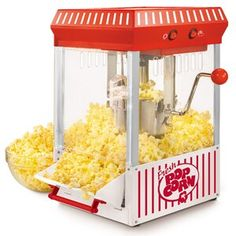 A tempered window and interior light allow you to watch the popcorn popping so you know right when to empty the kettle. stainless steel kettle with built-in stirring system. Tilt out popcorn door for easy serving. Kettle Popcorn, Popcorn Cart, Popcorn Bowl, Best Popcorn, Popcorn Bucket, Popcorn Maker, Popcorn Machine Rental, Movie Popcorn, Mélangeur Kitchenaid