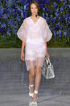 Coleção // Dior, Paris, Verão 2016 RTW // Foto 28 // Desfiles // FFW