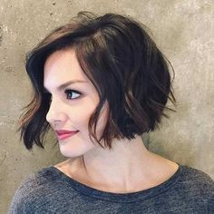 The best collection of Cute Short Bob Haircuts, Latest and best Short bob hairstyles, haircuts, hairstyle trends 2018 year. Haircuts For Wavy Hair, Short Bob Haircuts, Hairstyles Haircuts, Cool Hairstyles, Haircut Bob, Winter Hairstyles, Black Hairstyles, Hairstyle Ideas, Short Feminine Haircuts