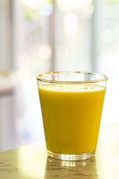 Mystical mango smoothie | The Blender Girl via Oh She Glows