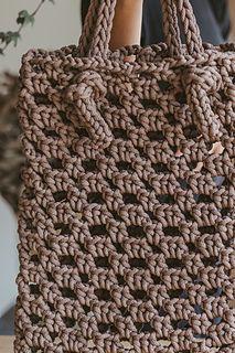 0085bce877334 Ravelry  Stylist brown tote bag pattern by Simona Kastanauskiene Crochet  Handbags