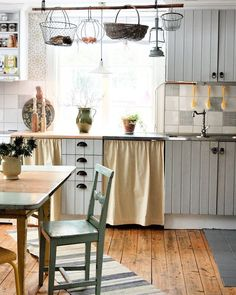 My kitchen in one of my two houses. I Dalarna. Decorating Small Spaces, Interior Decorating, Interior Design, Kitchen In, Kitchen Decor, Oh My Home, French Country Cottage, Scandinavian Home, House Rooms
