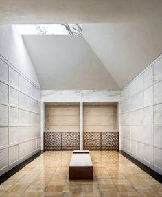 Lakewood Garden Mausoleum / HGA