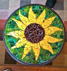 Jay's Mosaics of Bristol~ Sunflower patio tableideas for mosaic sunflower art Mosaic Birdbath, Mosaic Garden Art, Mosaic Tile Art, Mosaic Artwork, Mosaic Glass, Glass Art, Stained Glass, Mosaic Mirrors, Sea Glass