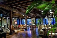 Gerard Butler apartment located in Manhattan New York with an area of approximately 300 square meters.