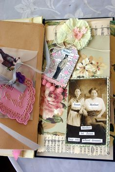 Vintage mother's day cards in the glassline envelope. Picture of my mother on the tag........