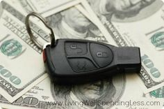 How much do you know about auto insurance? If you need to purchase a new policy, you should go over this article to learn more about auto insurance and how to save money on your premiums. Compare different insurance providers by re Buy Health Insurance, Auto Insurance Companies, Car Insurance Tips, Insurance Quotes, Life Insurance, Trailer Insurance, Getting Car Insurance, Assurance Auto, Car Loans