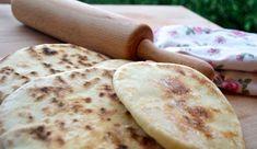 Pravý turecký chléb   NejRecept.cz Bread Recipes, Baking Recipes, Healthy Recipes, Czech Recipes, Ethnic Recipes, Home Baking, Naan, Street Food, Food To Make